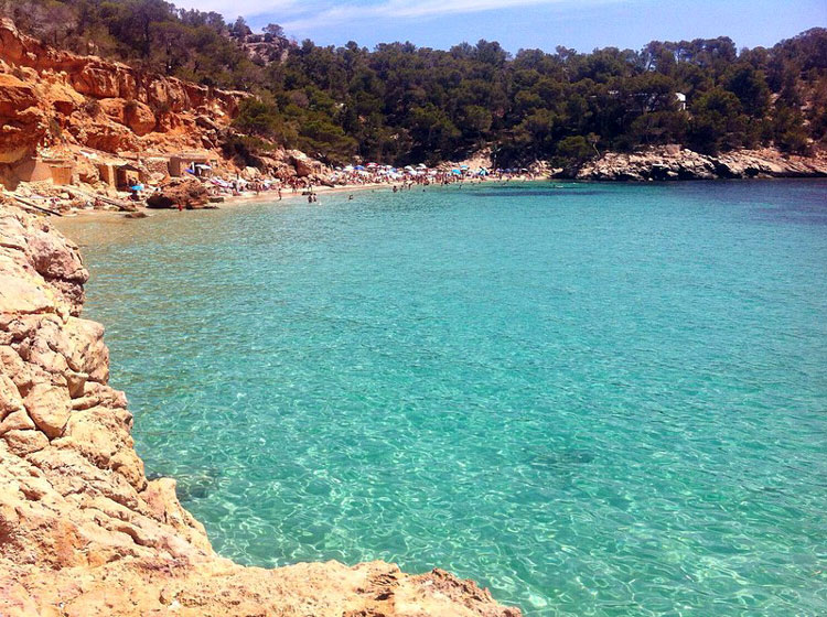 Ibiza's secret beaches - Goa Catamaran - Alquiler de catamaranes en