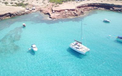 4 one day catamaran cruises to discover the best beaches in Ibiza
