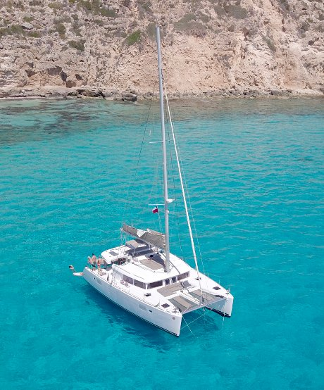 How to book a week charter in Ibiza?
