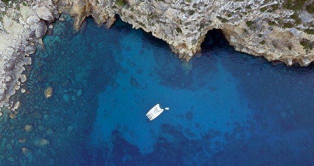 Big and luxury catamaran for 10 people